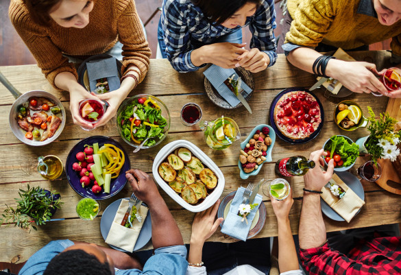 food-for-friends-shutterstock_411352648-2-585x401