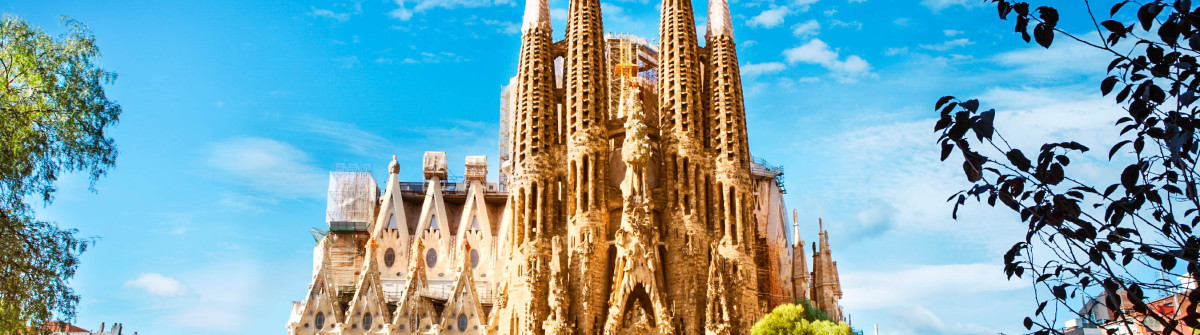 Sagrada-Familia-Cathedral-in-Barcelona-iStock_000069446845_Large-2
