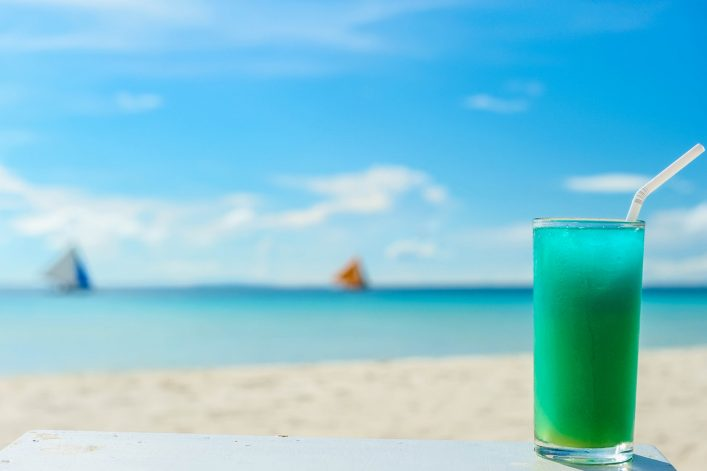 beach-cocktail-istock_24251492_large-2