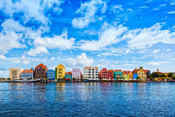 curacao-willemstad-istock_000052999872_large-2