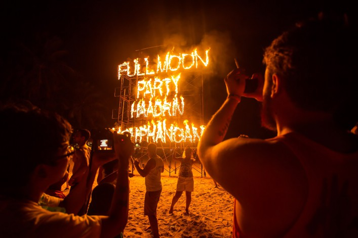 beach-party-thailand-shutterstock_204425425-editorial-only (1)