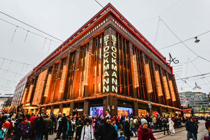 shopping-mall-stockmann-in-helsinki-istock_000054269504_large-editorial-only-esvetleishaya-2