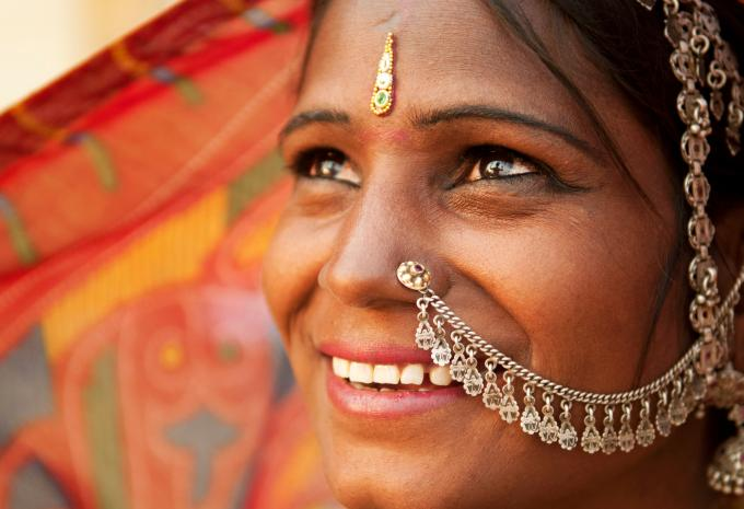 indian-woman-istock-000020341492-large_1555662496789-fix