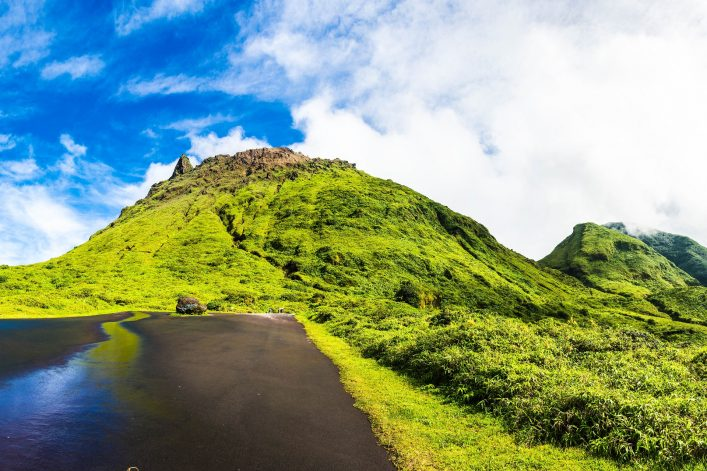 soufriere-volcano-is-the-highest-mountain-in-guadeloupe-french-department-in-caribbean-shutterstock_373292035-2