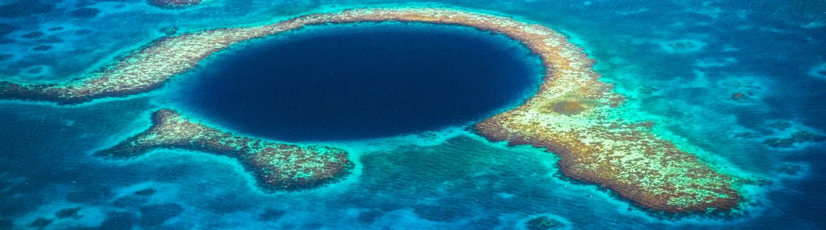 the-blue-hole-lighthouse-reef-belize-istock_46773806_xlarge-2