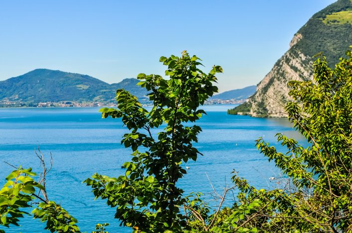 High-dynamic-range-HDR-View-of-Lake-Iseo-panorama-in-Italy-Bilder-shutterstock_585940751