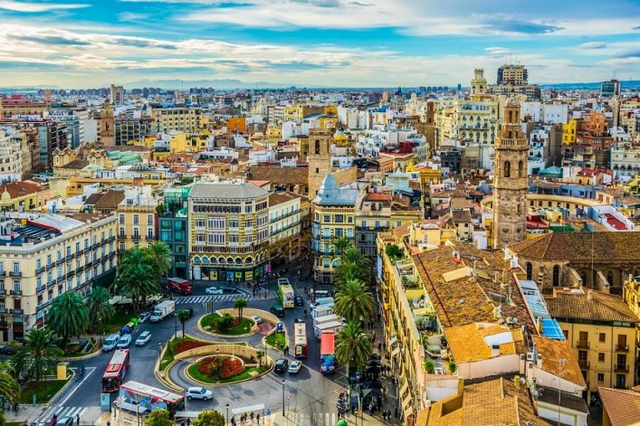 Aerial-view-of-plaza-de-la-reina-square-in-spanish-city-valencia-shutterstock_442027729-EDITORIAL-ONLY-Pavel-Dudek-2
