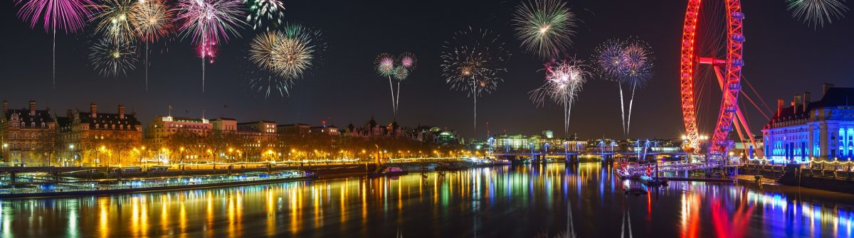 Panorama-of-Thames-river-in-London-with-fireworks.-Celebration-of-the-New-Year-in-London-UK_