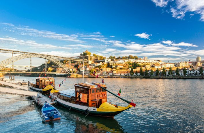 Traditional-boat-in-the-Douro-River.-Porto-Portugal-iStock_79433881_XLARGE-2-e1546181371512