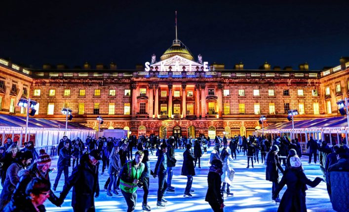 eislaufen-in-somerset-house-am-abend-istock_77013401_xlarge-editorial-only-anatoleya-2-e1539260077806