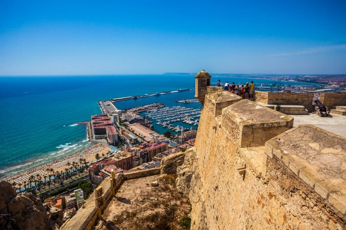 alicante-with-the-santa-barbara-castle-spain-istock_000025987101_large-editorial-only-holger-mette-2