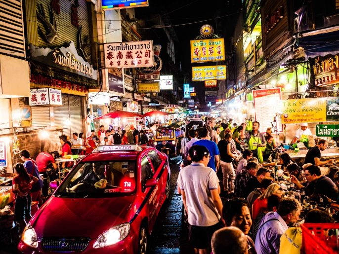 Chinatown-at-night-Bangkok-iStock_000090499459_Large-EDITORIAL-ONLY-aluxum-2