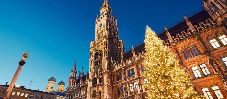 shutterstock_527689456_Marienplatz-with-the-Christmas-market-in-Munich-Germany_1920x1280_tiny