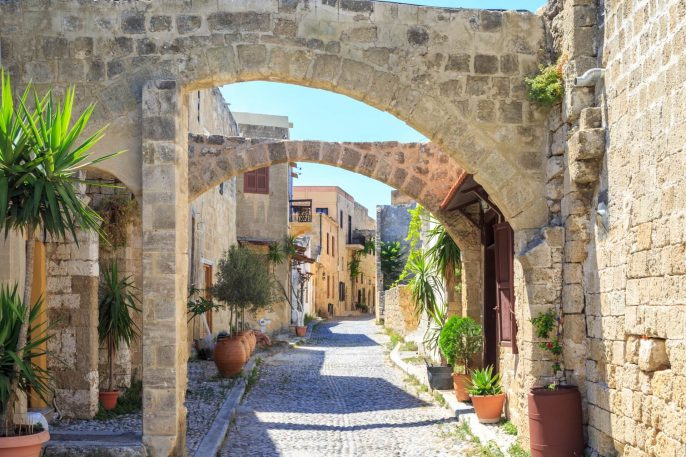 Old-Town-Rhodos-shutterstock_1139636564