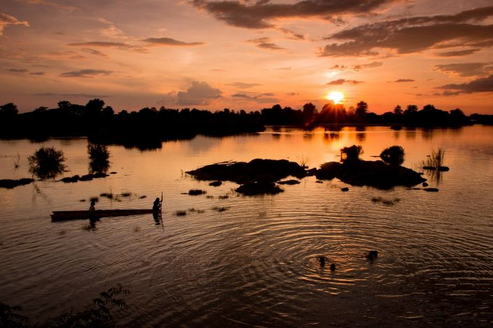 Sunset-over-the-Mekong-River-near-the-island-of-Don-Det