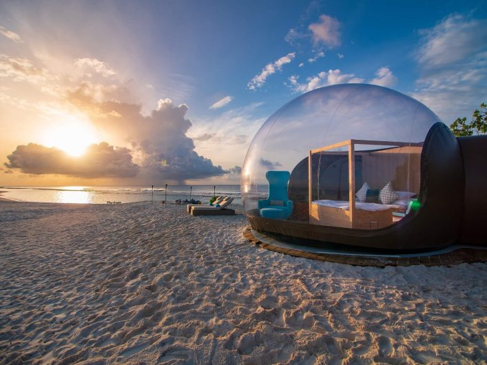 Finolhu-Beach-Bubble-Tent-6