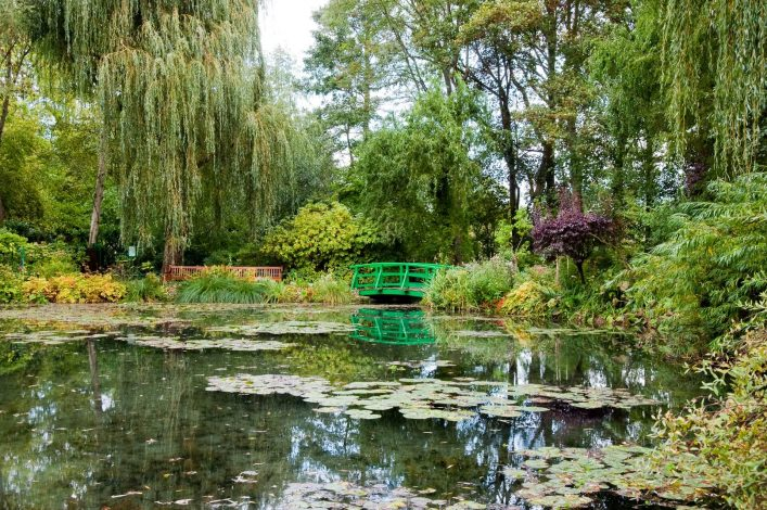 Claude-Monets-garden-and-pond-in-Giverny-France_shutterstock_46829728-1