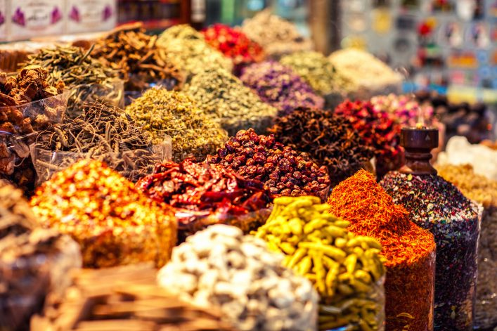 arabic-spices-at-the-market-souk-madinat-jumeirah-in-dubai-uae-shutterstock_361655018-2