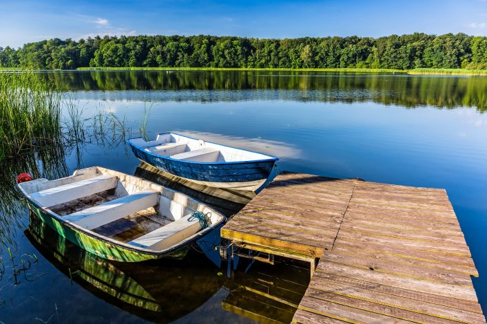 fishing-boats-on-the-masurian-lake-in-poland-shutterstock_218191420-2