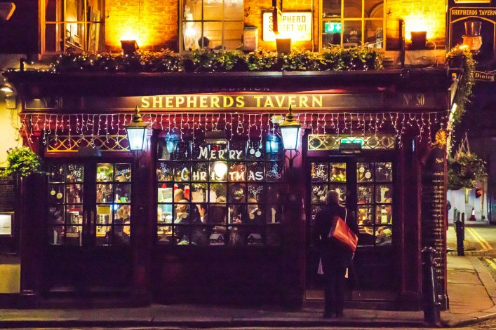 shepherds-tavern-istock_000062043420_large-editorial-only-alphotographic-2