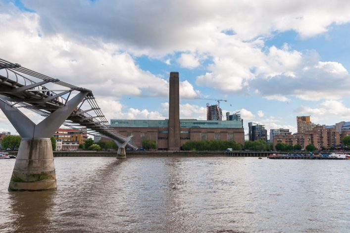 17.-Tate-Gallery-of-Modern-Art-London_shutterstock_210110380