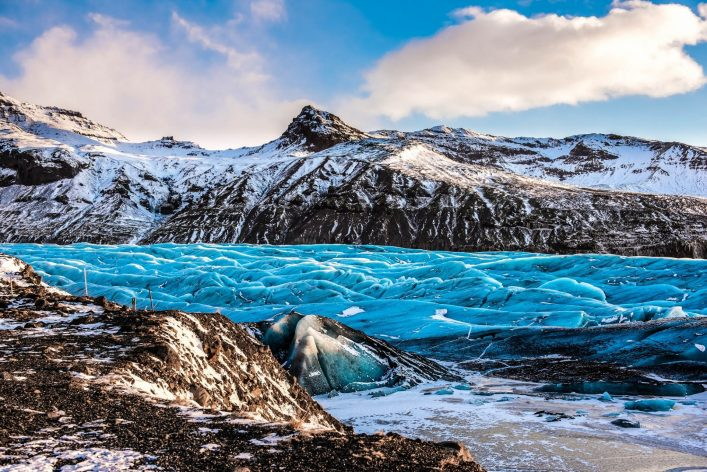 Skaftafellsjokull-Glacier-in-Iceland-part-of-Vatnajokull-National-Park-shutterstock_347772839-2-e1531376487773