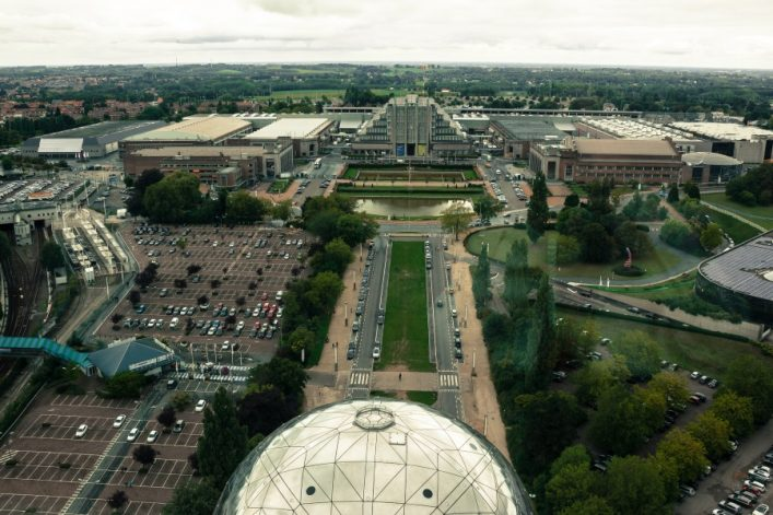 shutterstock_711105163_Expo-in-Brussels-view-from-the-Atomium_900x600
