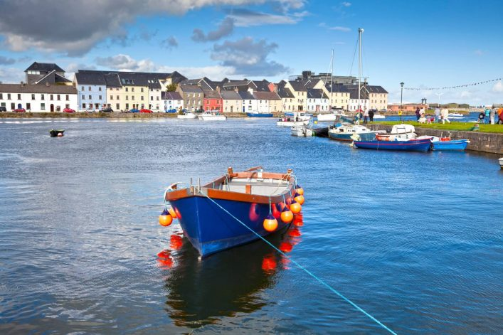 Boot-In-Galway-Bay-Irland-iStock-149296991