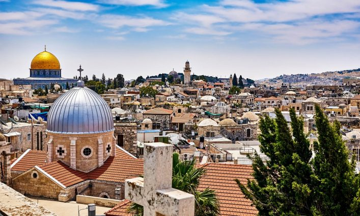 jerusalem-panoramic-roof-view-istock_000072643091_large-2-e1534400905673