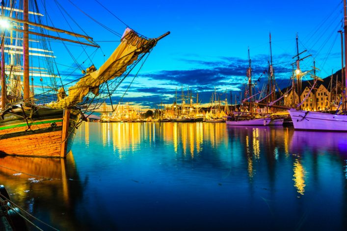 sailing-ships-in-the-harbour-during-the-tall-ships-races-bergen-norway-shutterstock_229756564-2-e1536752835280