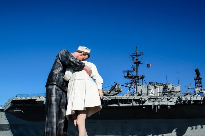 uss-midway-istock_000018870268_large-editorial-only-aijohn784-2