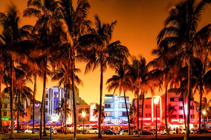 Nighttime-view-of-Ocean-Drive-South-Beach-Miami-Beach-Florida-iStock_000044510806_1980x1280