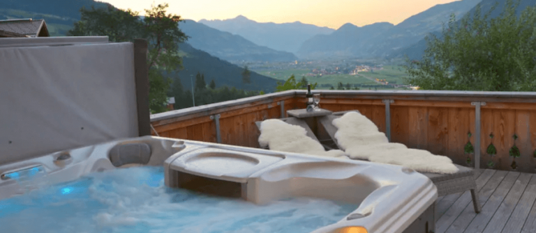 UG-Airbnb_chalet-private-spa-1