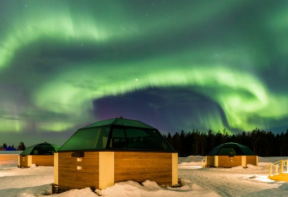 H-HO-Northern-lights-and-glass-igloos-7-1